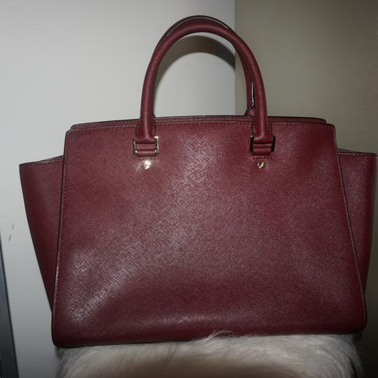 MICHAEL Michael Kors Satchel in Burgundy