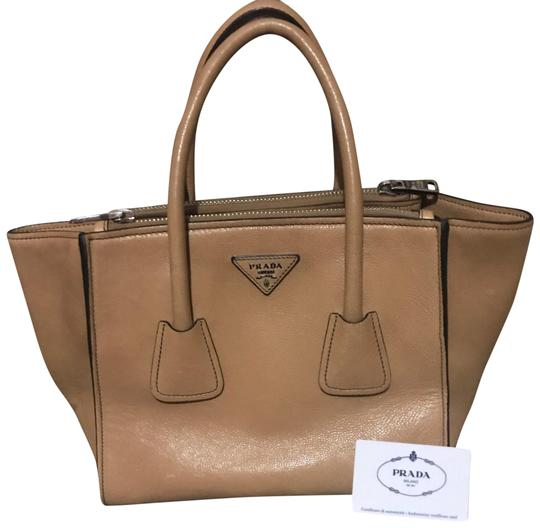 Preload https://item5.tradesy.com/images/naturale-leather-satchel-23888354-0-1.jpg?width=440&height=440