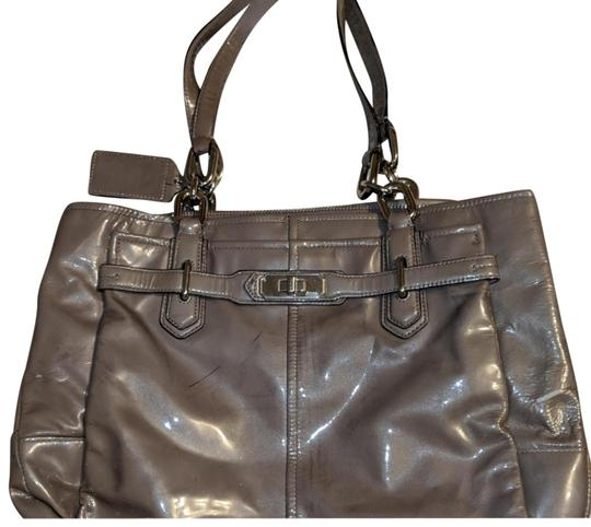 Preload https://img-static.tradesy.com/item/23888453/coach-three-section-purse-nice-and-sturdy-lots-of-life-left-patent-leather-satchel-0-3-540-540.jpg