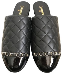 Chanel Quilted Cap Toe Chain Logo Black Flats