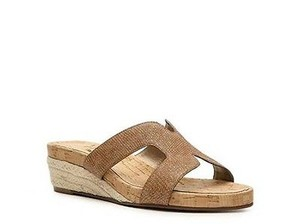 Ditto by VanEli Karma Womens Metallic Leather Wedges Tan Sandals