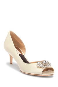 Badgley Mischka Ivory Women's Macie Half D'orsay Kitten Hee Pumps Size US 8.5 Regular (M, B)
