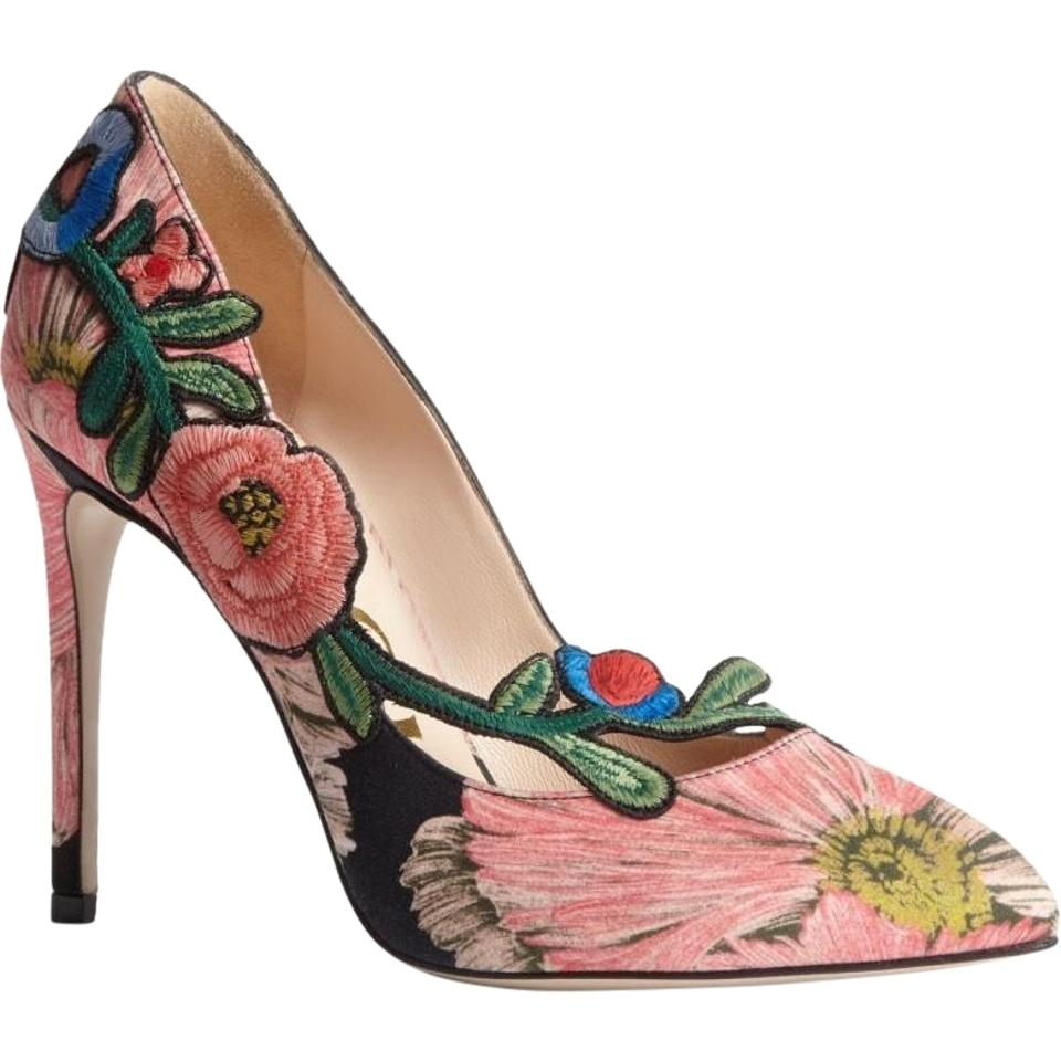 c92c8ca903c Gucci Ophelia Embroidered Leather Pumps. Size  EU 36 (Approx. US 6) ...