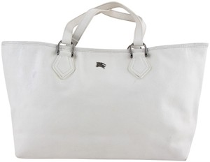 Burberry Bags and Purses on Sale - Up to 70% off at Tradesy 0ace3022cea37