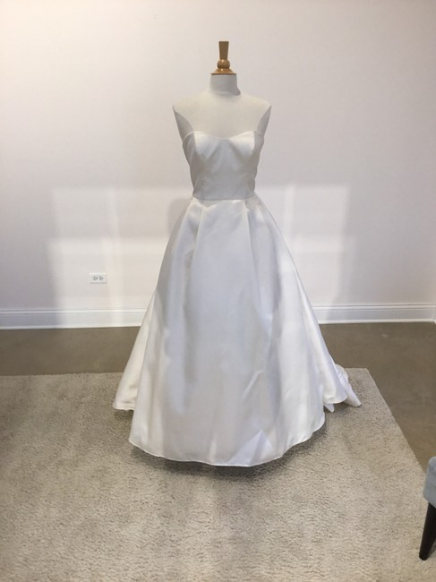 Item - Ivory Satin Silvia Formal Wedding Dress Size 8 (M)