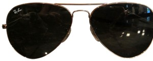 Ray-Ban Aviator large gold metal 3025