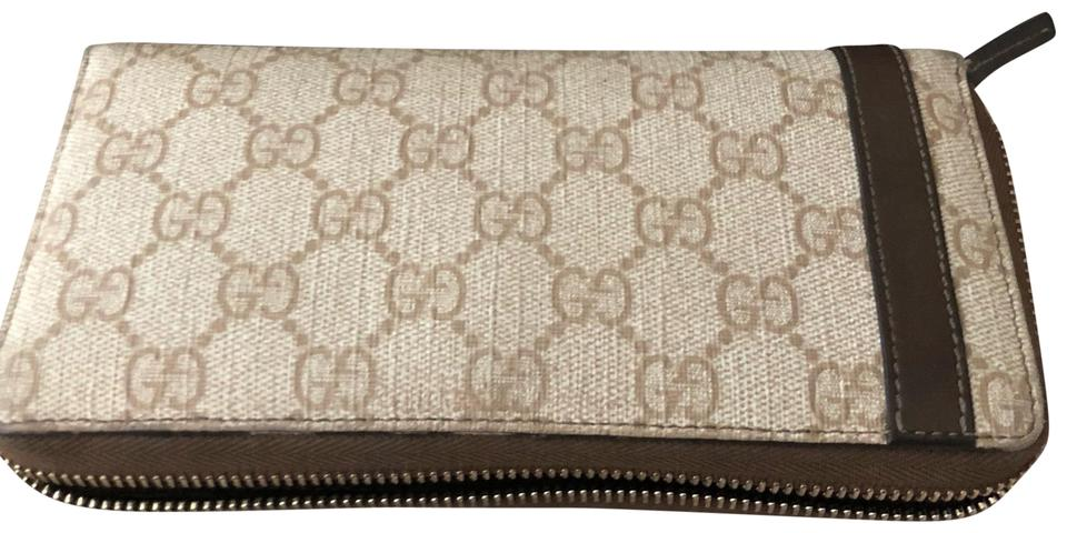 91577a5d7fa8 Gucci Signature Zip Around Wallet Brown/Ivory Leather/Canvas Clutch ...