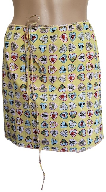 Preload https://img-static.tradesy.com/item/23896353/chanel-yellow-multicolor-cc-logo-wrap-miniskirt-size-8-m-29-30-0-2-650-650.jpg