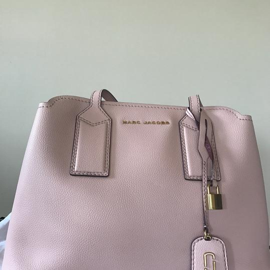 Marc Jacobs Tote in Rose Image 8