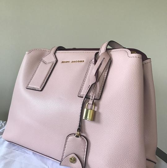 Marc Jacobs Tote in Rose Image 9
