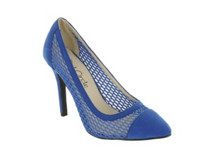 Red Circle Footwear Mesh Pointy Blue Pumps