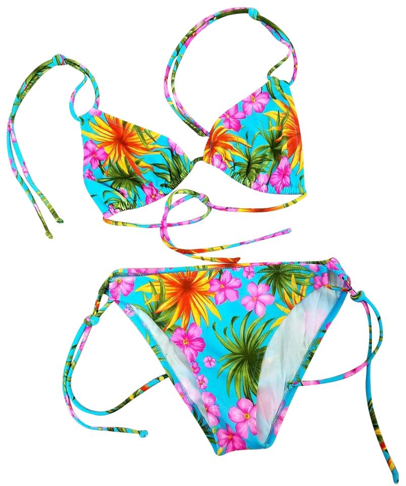 Hawaiian print bikini remarkable, this