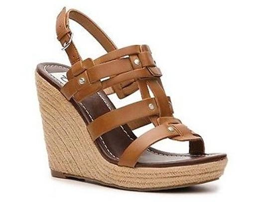 Preload https://img-static.tradesy.com/item/2389936/dv-dolce-vita-tasco-womens-faux-leather-platform-sandals-wedges-shoes-brown-0-0-540-540.jpg