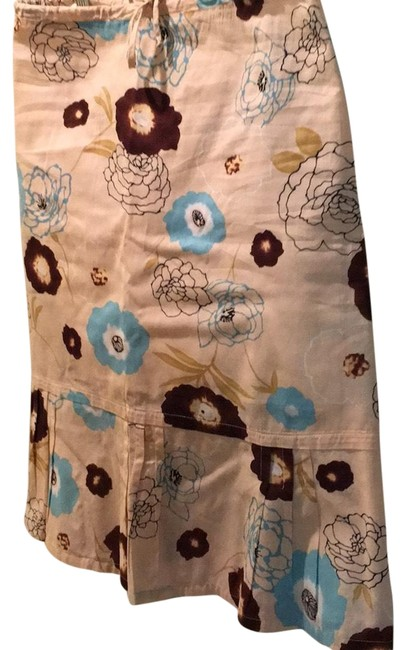 Vince Beige Base with Brown Blue Flowers Skirt Size 6 (S, 28) Vince Beige Base with Brown Blue Flowers Skirt Size 6 (S, 28) Image 1