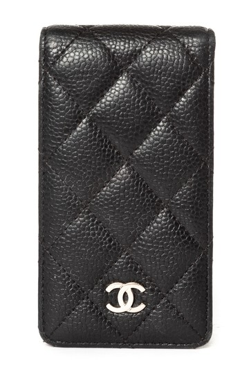 Preload https://img-static.tradesy.com/item/23899946/chanel-black-quilted-caviar-leather-phone-case-tech-accessory-0-0-540-540.jpg