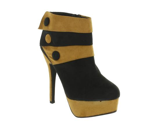 Preload https://img-static.tradesy.com/item/23899995/red-circle-footwear-blackchesnut-blessing-with-self-cover-button-heel-bootsbooties-size-us-7-regular-0-0-540-540.jpg