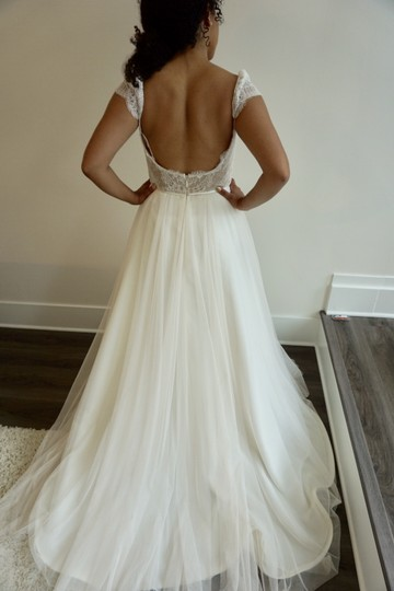Ivory/Nude Chantilly Lace/Tulle 8707 Formal Wedding Dress Size 10 (M)