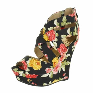 Red Circle Footwear Strappy Print Fabric Black Wedges