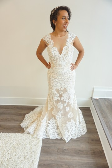 Ivory/Honey Chanitlly Lace/Tulle 8708 Formal Wedding Dress Size 10 (M)
