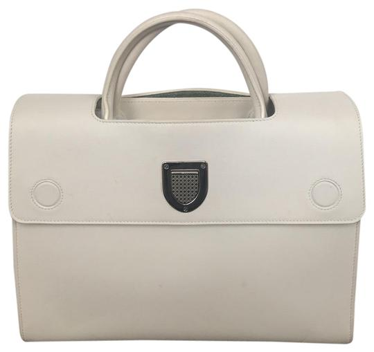Preload https://img-static.tradesy.com/item/23900163/dior-calf-handbag-white-calfskin-leather-satchel-0-1-540-540.jpg