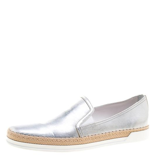 Preload https://img-static.tradesy.com/item/23900171/tod-s-metallic-silver-leather-pantofola-espadrille-slip-on-sneakers-sneakers-size-eu-39-approx-us-9-0-0-540-540.jpg