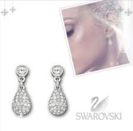 Swarovski Swarovski Genuine Crystals Earrings 1 inch