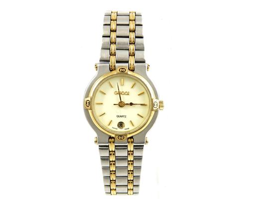 Preload https://img-static.tradesy.com/item/23900736/gucci-two-tone-9000l-gold-stainless-steel-vintage-ladies-watch-0-0-540-540.jpg