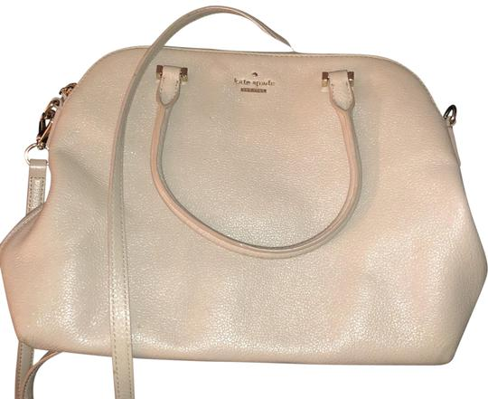 Preload https://img-static.tradesy.com/item/23900745/kate-spade-beige-with-soft-pink-under-tones-leather-cross-body-bag-0-1-540-540.jpg