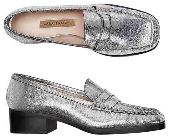 Preload https://img-static.tradesy.com/item/23901343/zara-silver-leather-metallic-leather-moccasins-flats-size-us-5-regular-m-b-0-1-540-540.jpg