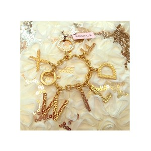 Wildfox WILDFOX COUTURE 'WILDFOX' 14KT YG PLATED/TEXTURED 7 CHARMS BRACELET