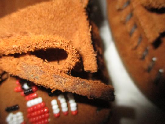 Minnetonka Suede Leather Fringed Moccasin Beaded rust Flats Image 11