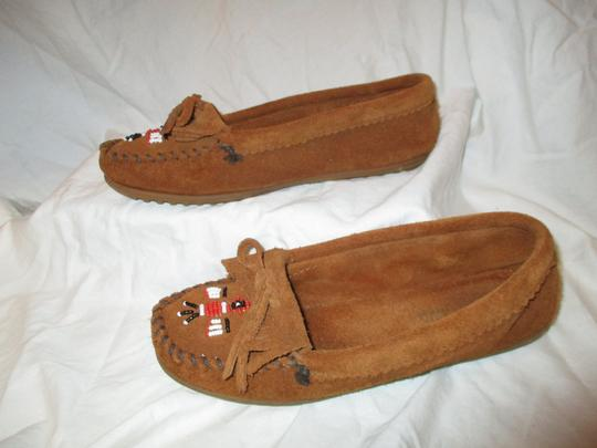 Minnetonka Suede Leather Fringed Moccasin Beaded rust Flats Image 2