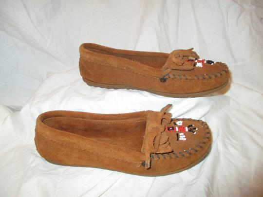 Minnetonka Suede Leather Fringed Moccasin Beaded rust Flats Image 3
