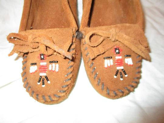 Minnetonka Suede Leather Fringed Moccasin Beaded rust Flats Image 6