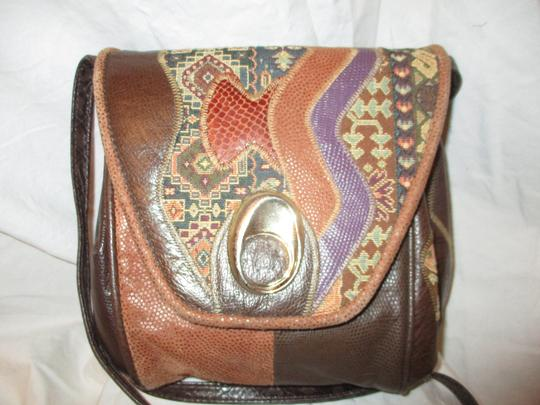 Fifth Avenue Handbags Leather Faux Leather Tapestry Patchwork Vintage Cross Body Bag Image 1