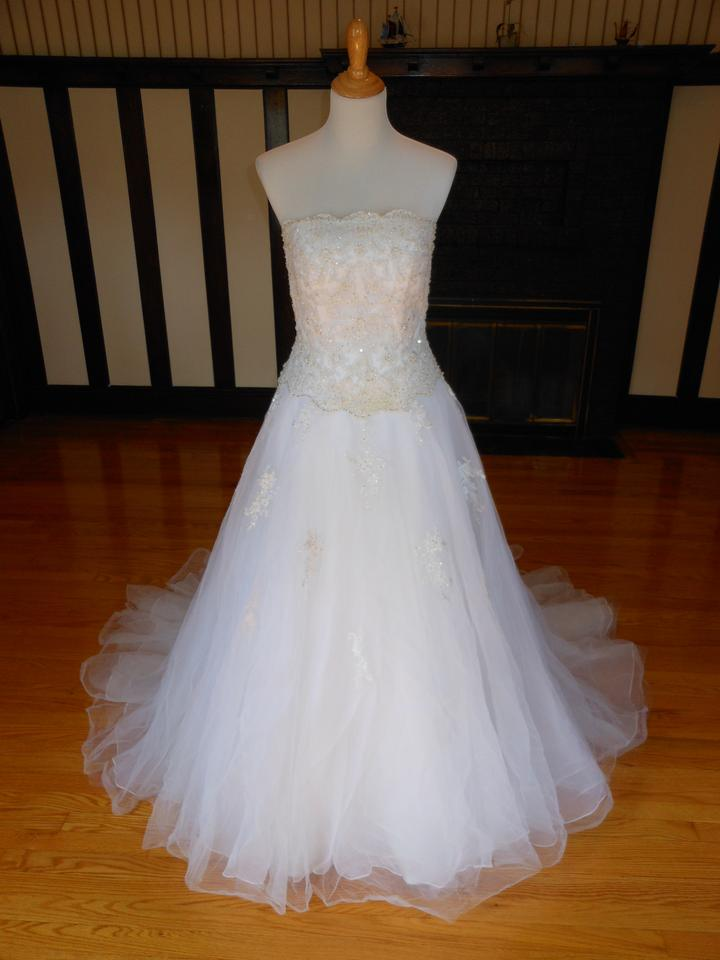 Camille La Vie Ivory Sample Destination Wedding Dress Size 6 S