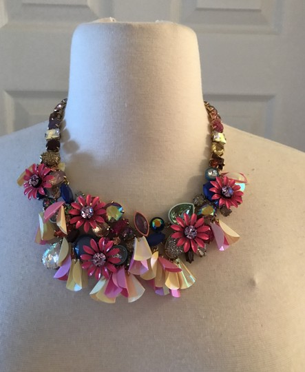 J.Crew J.CREW CRYSTAL FLWER STATEMENT NECKLACE K0837 VIBRANT FUCHSIA Image 1