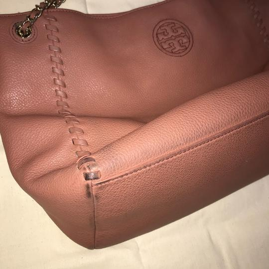 Tory Burch Britten Leather Tote in Maple Sugar Pink/Dusty Rose Image 6