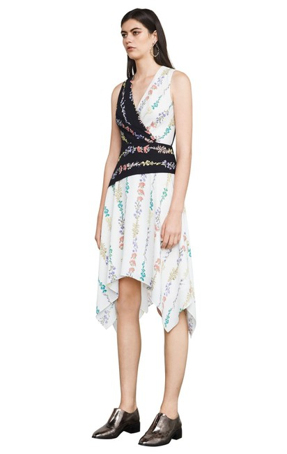 Item - Floral New Hadley Mid-length Short Casual Dress Size 12 (L)