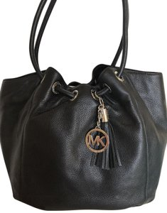 Michael Kors Ring Shoulder Tassel Charm Tote in Black and Silver