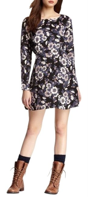 Preload https://img-static.tradesy.com/item/23904889/free-people-floral-parker-short-casual-dress-size-2-xs-0-1-650-650.jpg