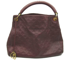 Louis Vuitton Artsy Leather Hobo Bag