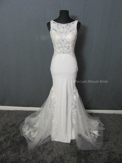 Preload https://img-static.tradesy.com/item/23906354/allure-bridals-ivorynude-lace-9503-feminine-wedding-dress-size-10-m-0-0-540-540.jpg