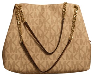 15b9986a58d6 Gold MICHAEL Michael Kors Bags - Up to 90% off at Tradesy