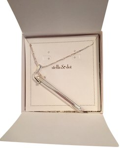 Stella & Dot Stella & Dot Shiny Silver And Rebel Pendant In Necklace-New in Box