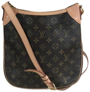 4eb5e356eb39 Louis Vuitton Odeon Shoulder Wallets Clutch Handbags Monogram Cross Body Bag