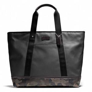 c49f23b625 ... tote bag  save off dda11 0a1bd Coach Camouflage green black Travel Bag. Coach  Mens .. ...