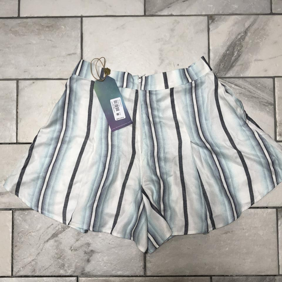 b8227568af Show Me Your Mumu White and Blue Vero Shorts Size 8 (M