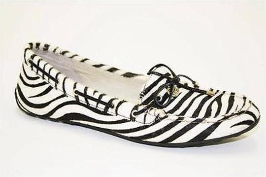 Preload https://img-static.tradesy.com/item/2391052/sperry-top-sider-laura-womens-white-black-zebra-moccasins-flats-loafers-shoes-0-0-540-540.jpg