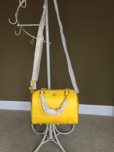 Tory Burch Comes With Dust Satchel in Yellow